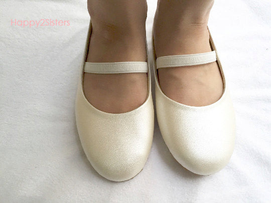 d093df9b02f7 Ivory flat shoes for girls Flower girl shoe – Happy2sisters
