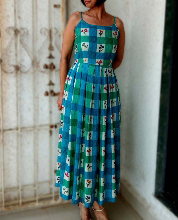 DeeVineeTi Made To Measure Indian Women's Cotton Summer Box Pleated Spaghetti Green Blue Checkered Printed Midi Dress 1
