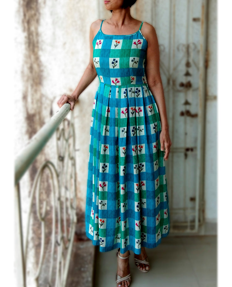 DeeVineeTi Made To Measure Indian Women's Cotton Summer Box Pleated Spaghetti Green Blue Checkered Printed Midi Dress 2