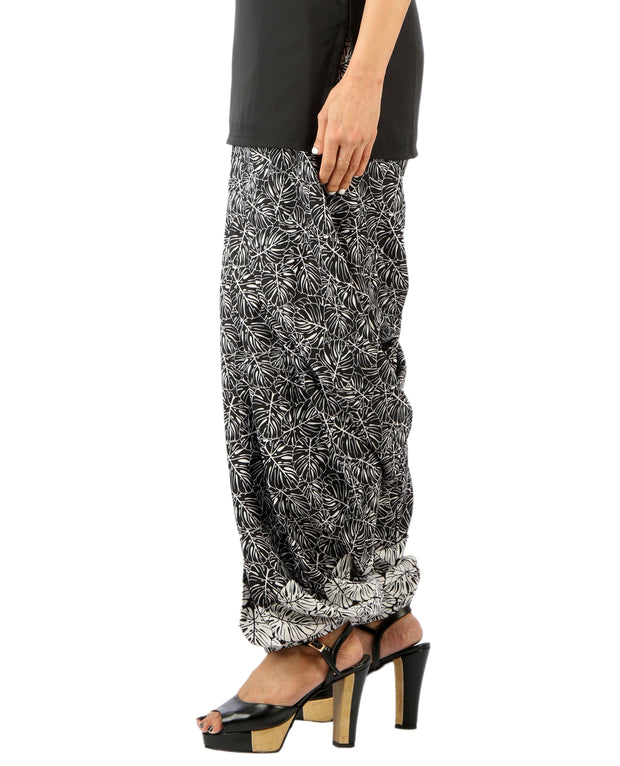 DeeVineeTi Women's Blended Crepe Black Printed FreeSize Patiala Salwar DVSR0010 Right