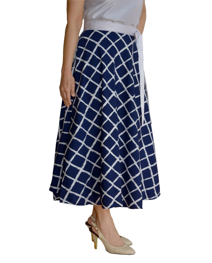DeeVineeTi Women's Crepe Blue Checkered Printed Wrap-Around Skirt WA000125 Freesize Mid-Calf Right