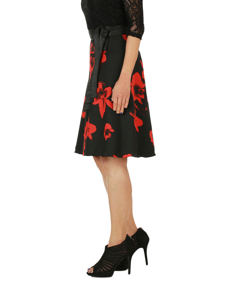 DeeVineeTi Women's Crepe Red Black Floral Printed Wrap-Around Skirt WA000153 Freesize Short Left