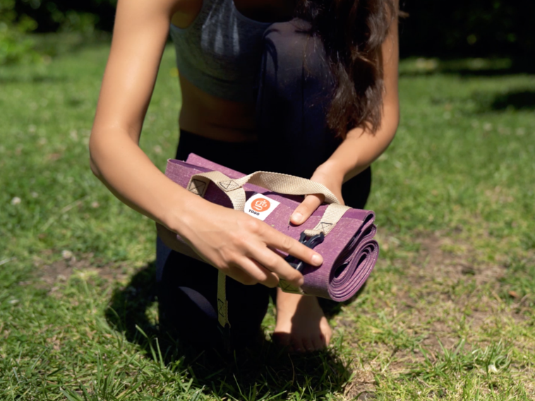 Take your Yoga anywhere, we review the Yogo Ultralight Yoga mat
