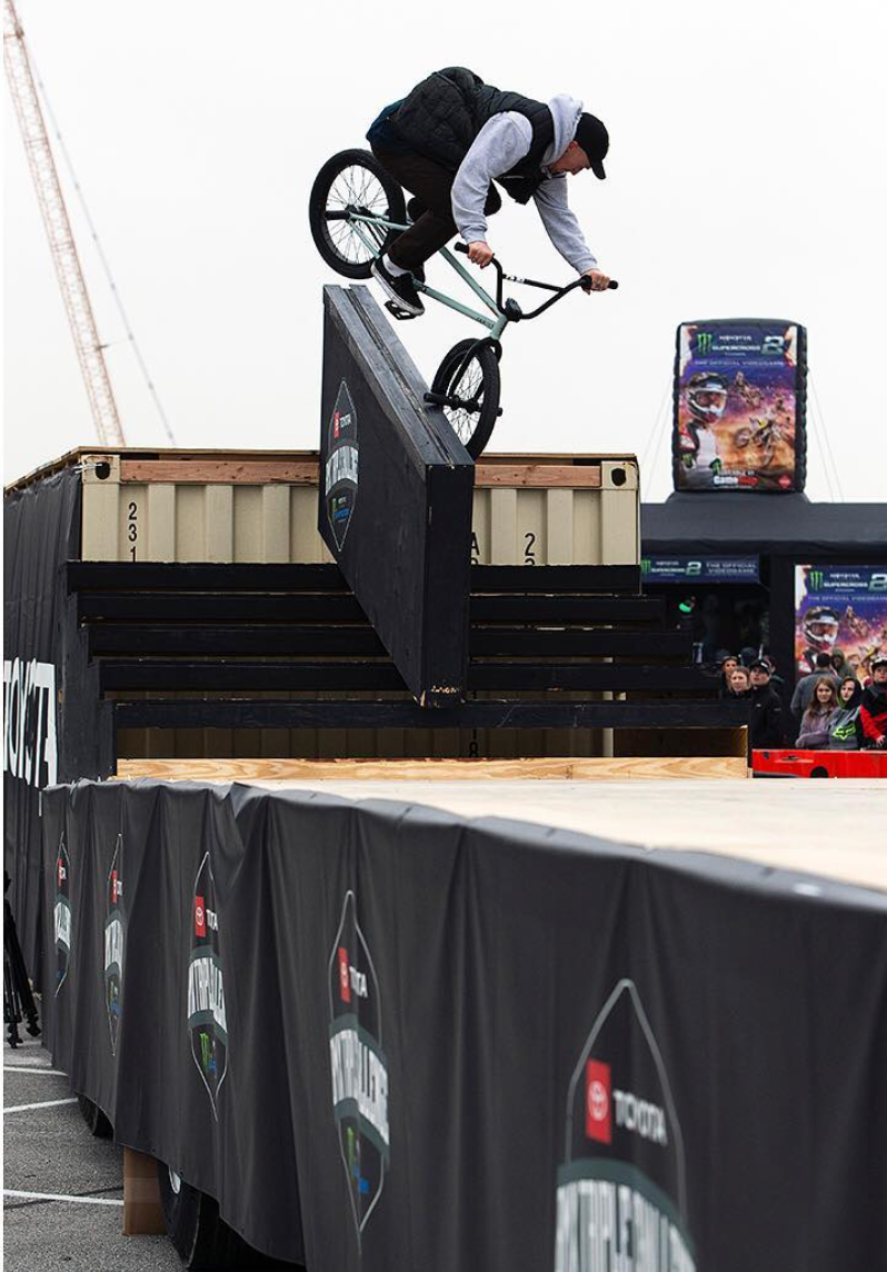 Dan Lacey - Tooth 180 toyota bmx triple challenge - Jeff Z