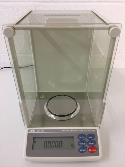 A&D GH-252 Analytical Balance - Richmond Scientific