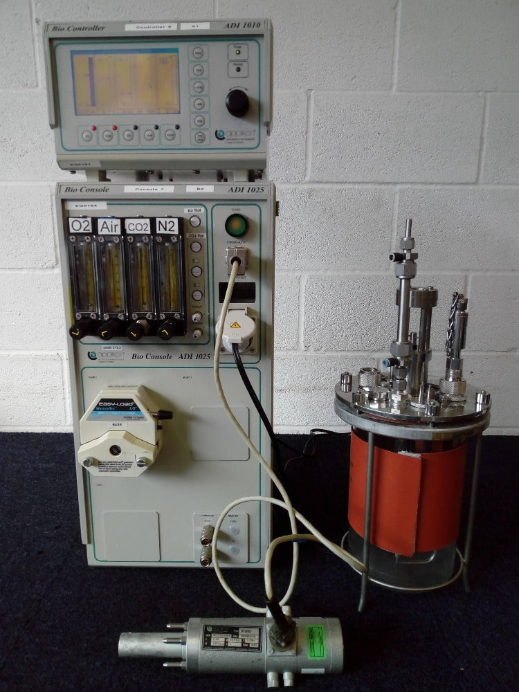 Applikon BioController BioConsole with Vessel and Pump