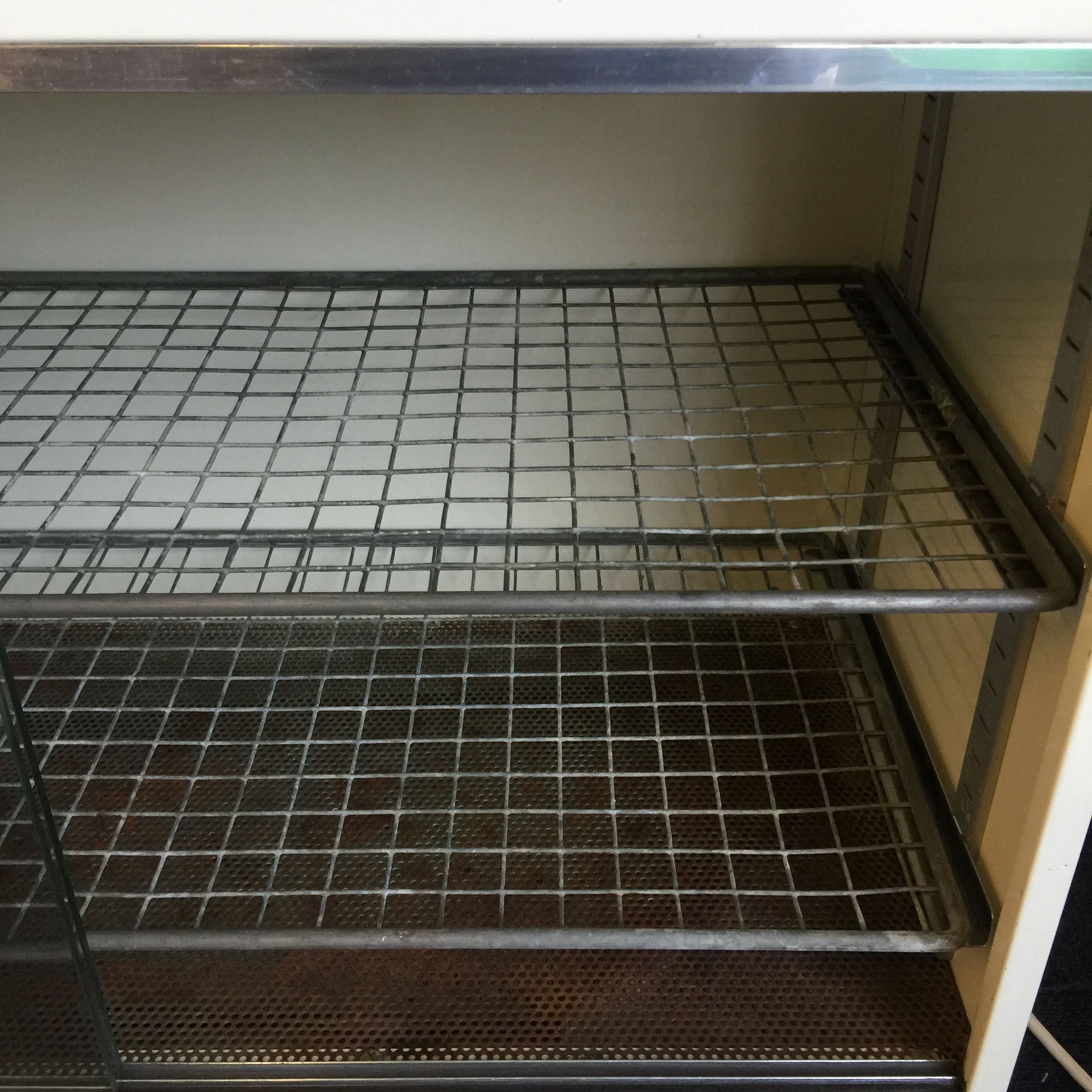 LEEC SS Drying Cabinet