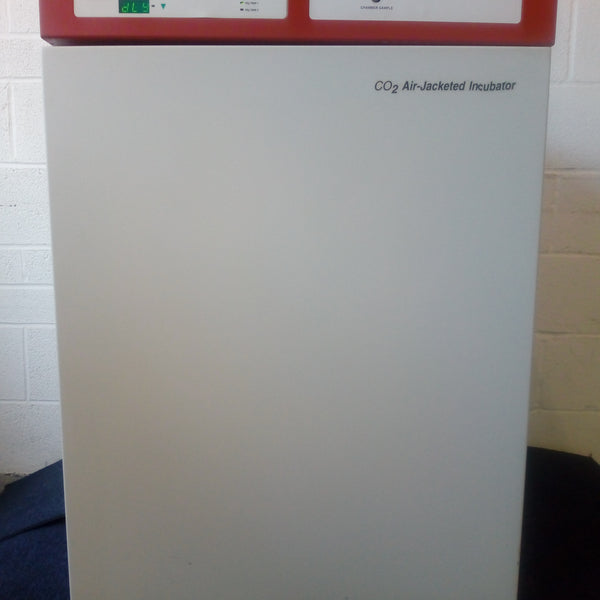 NuAire CO2 Air-Jacketed incubator