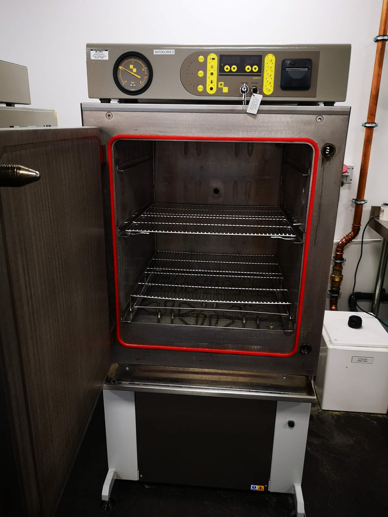 Priorclave ( RSC EH230 PS) Autoclave Door Open