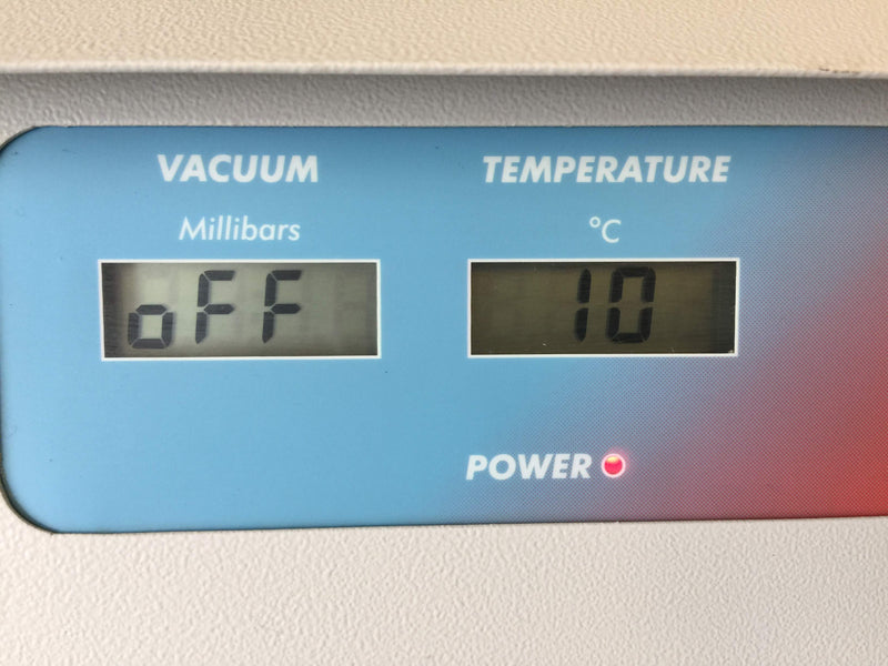 Vacuum (Millibars) & Temperature (°C) Displays