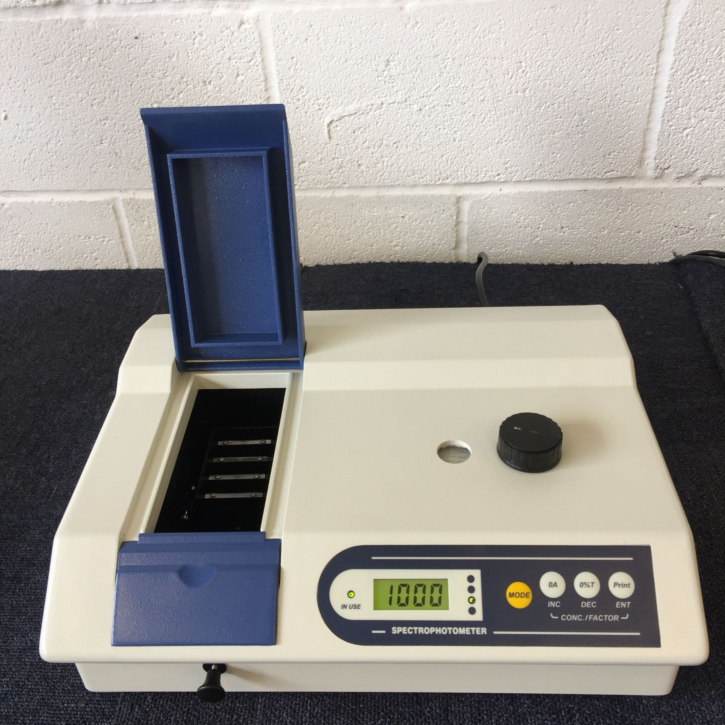 Medline Scientific CETI Spectrophotometer Lid Open