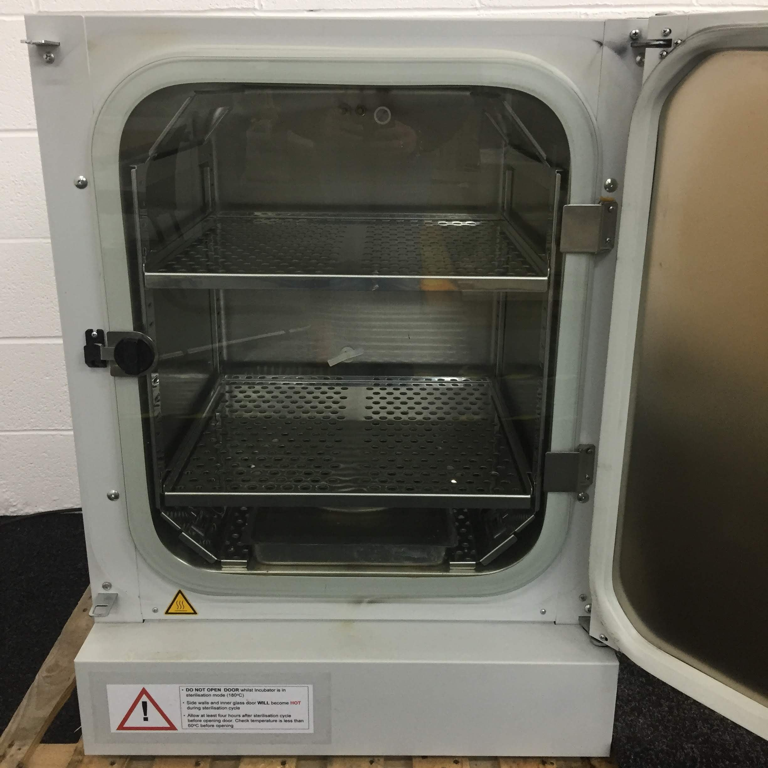 Binder CB150 CO2 Incubator (S/N 05-74915)