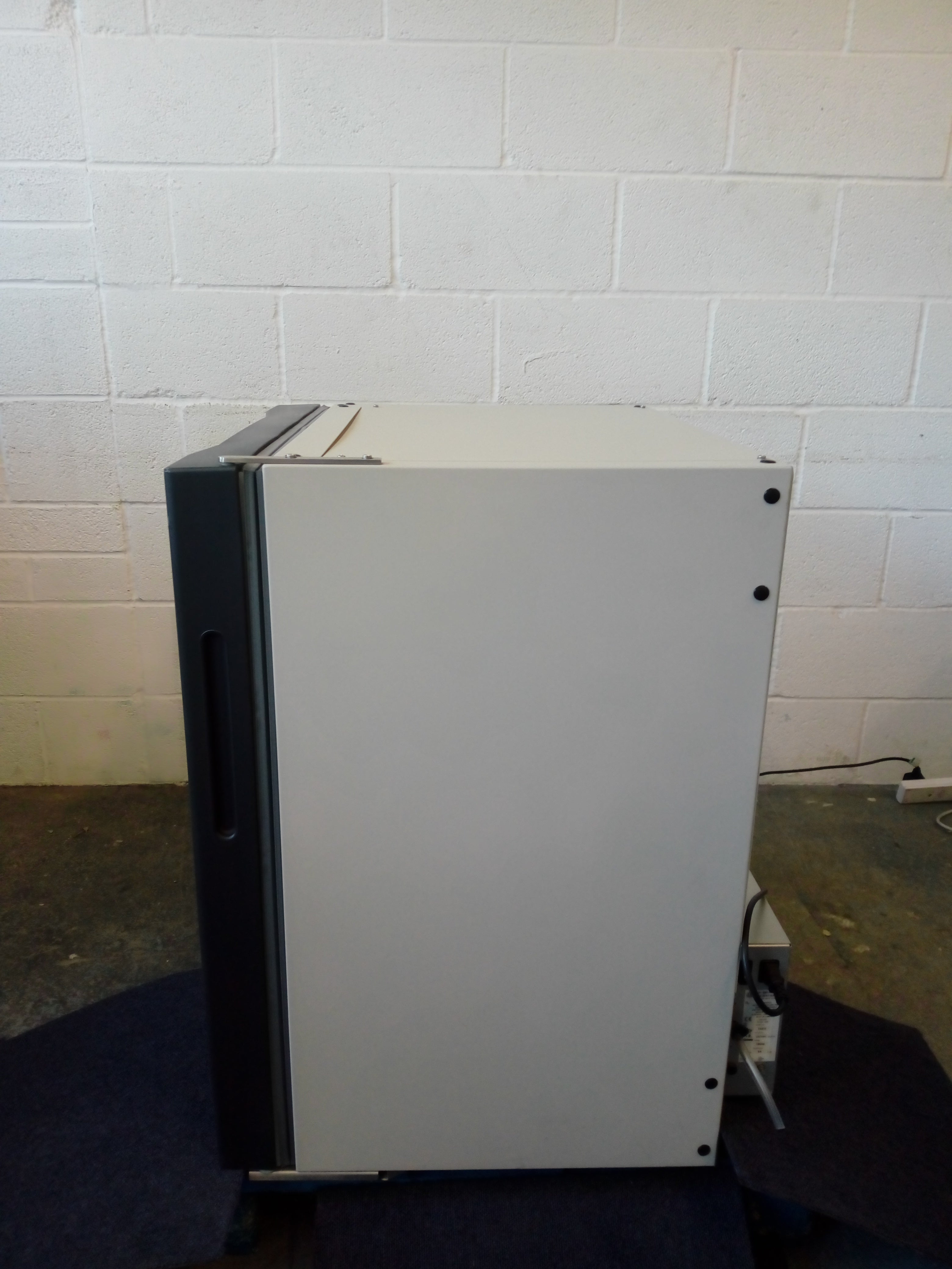 New Brunswick Innova CO-170 CO2 Incubator