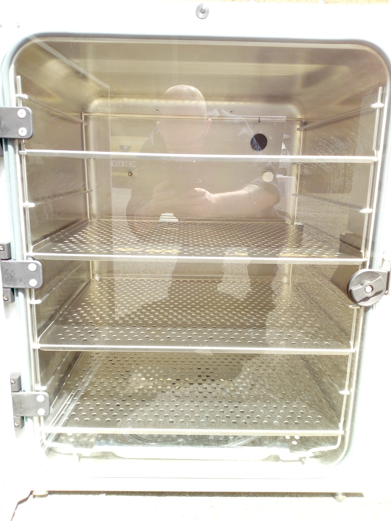 New Brunswick Galaxy 170 R CO2 Incubator