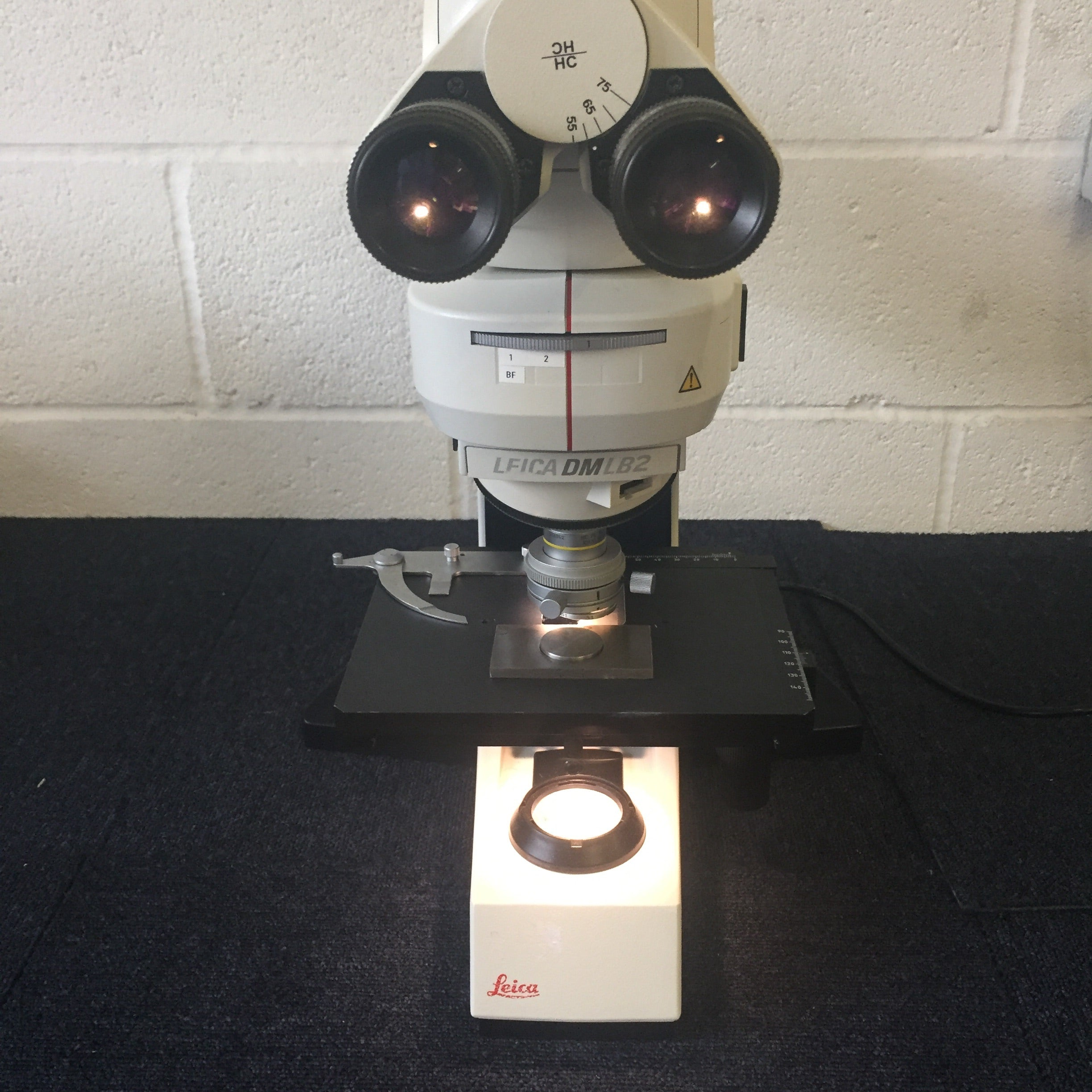 LEICA DM LB2 Microscope (Transmittance and Incidence light illumination)
