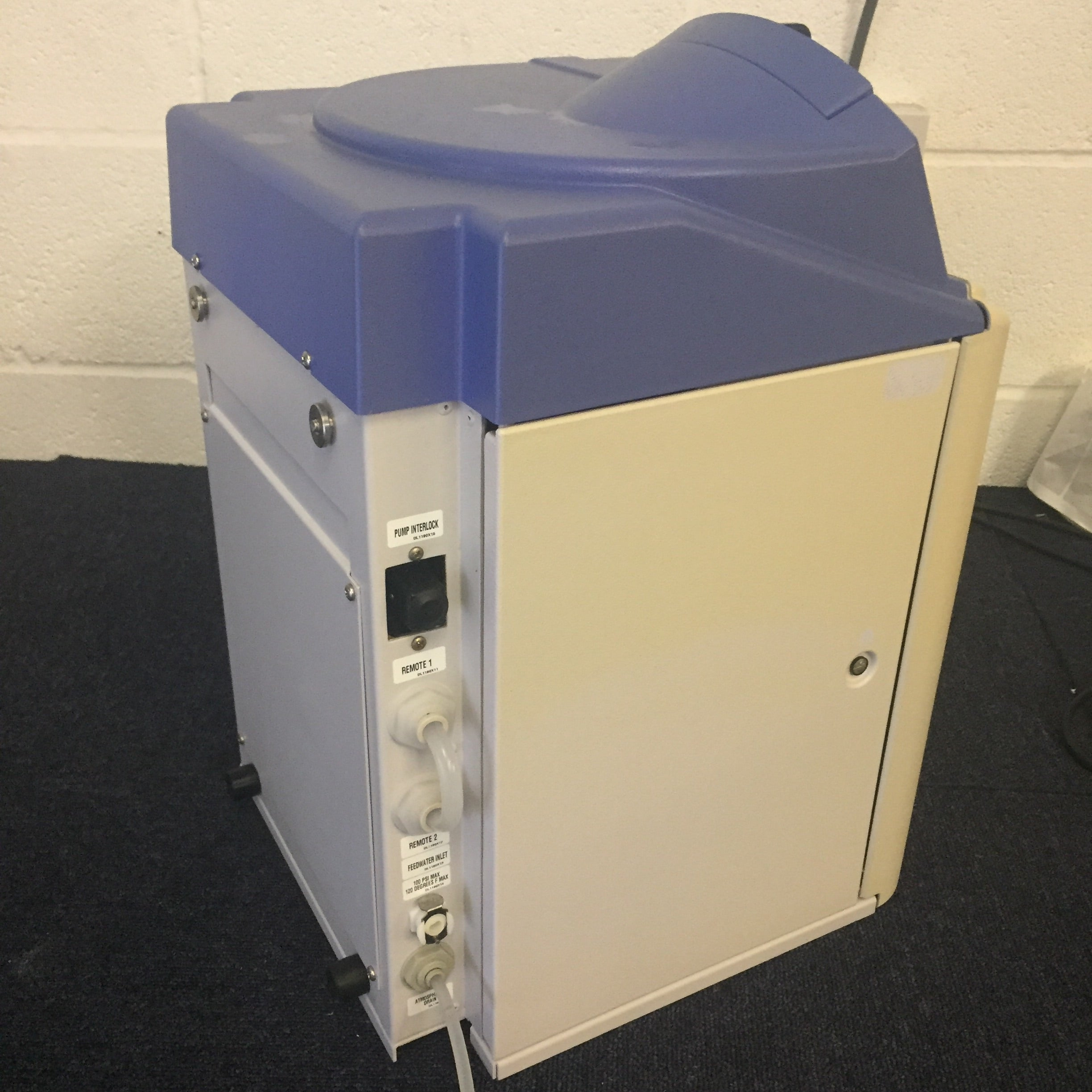 Barnsted Nanopure Diamond D11911 Ultrapure Water System