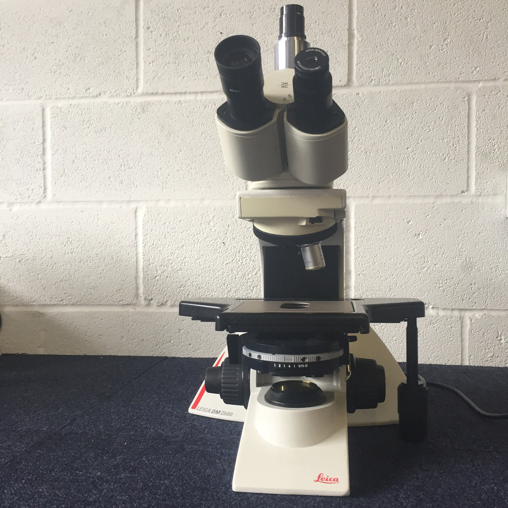 LEICA DM2500 Trinocular Incidence Microscope (2)