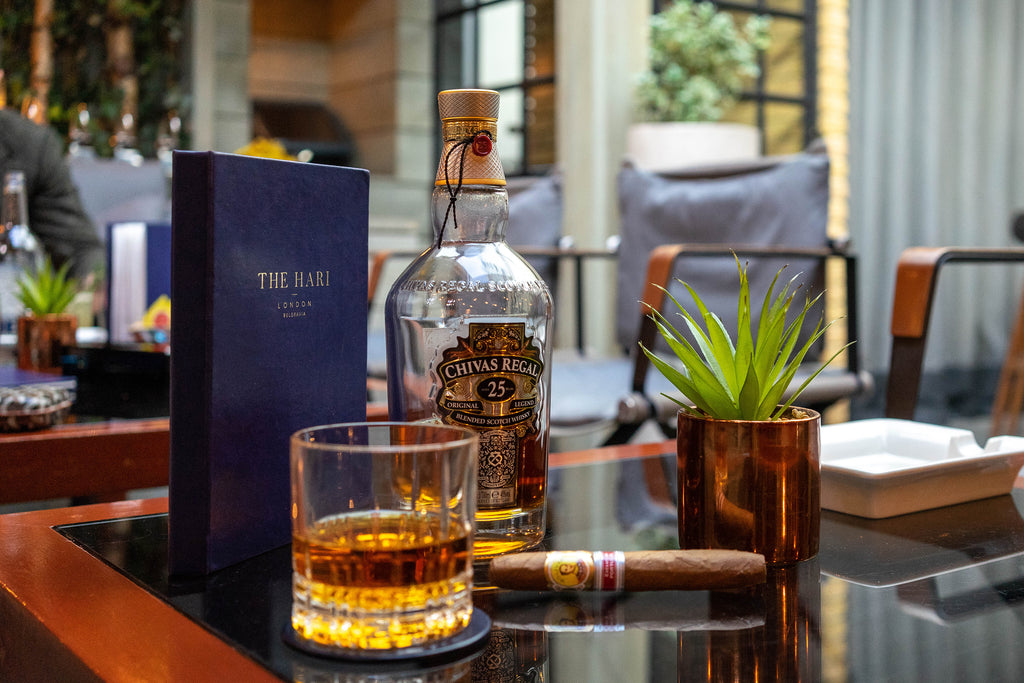 Whiskey and Cigars: Pairing Life's Luxuries