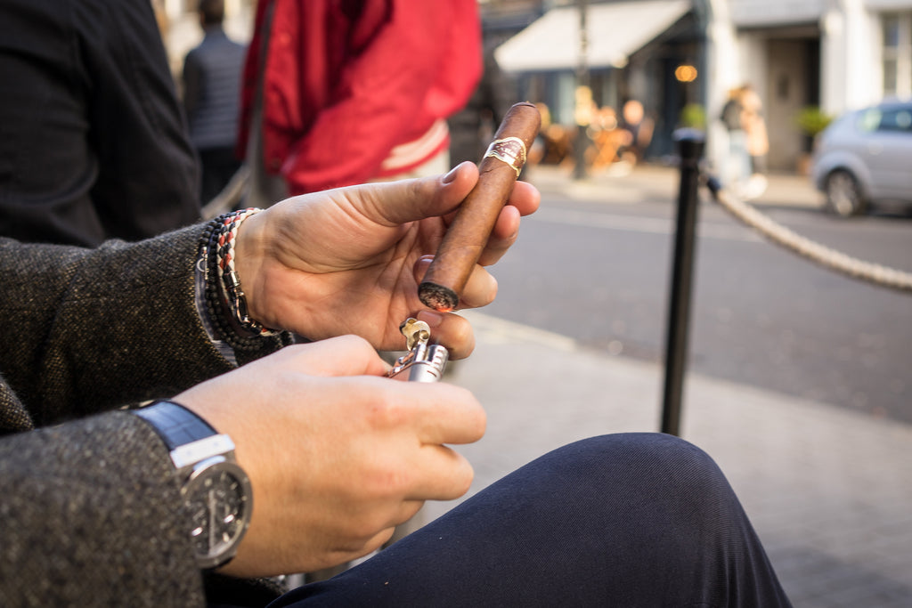 Smoke Your Cuban Cigar like an Expert: Beginners Guide