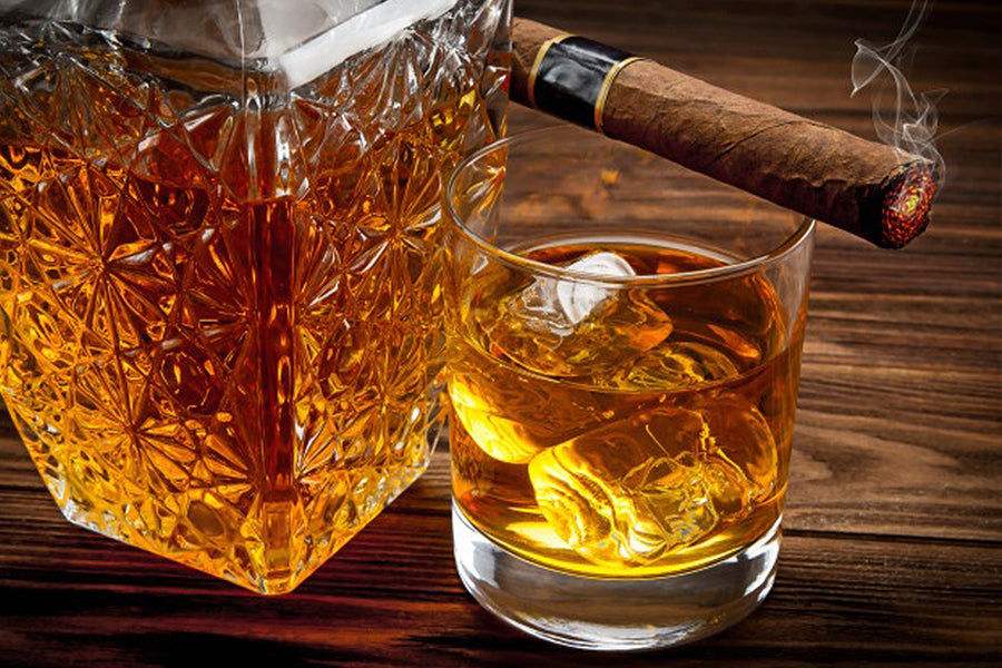 5 Tasty Winter Beverages to Pair with Cuban Cigars