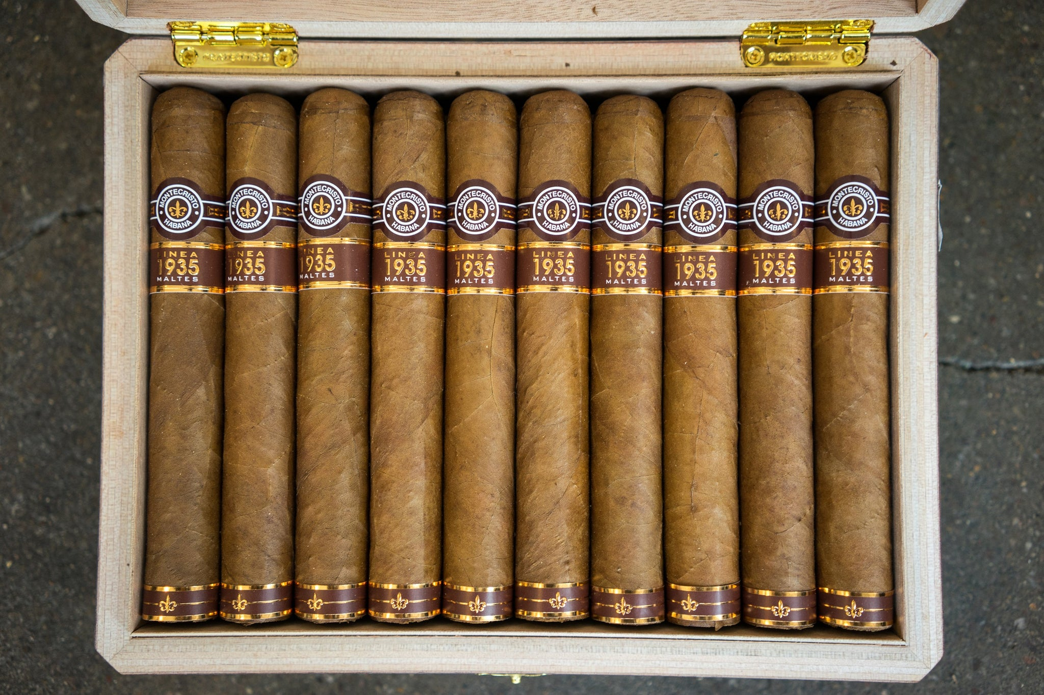 Montecristo Linea 1935 Maltes Cigar Available for Sale egm cigars