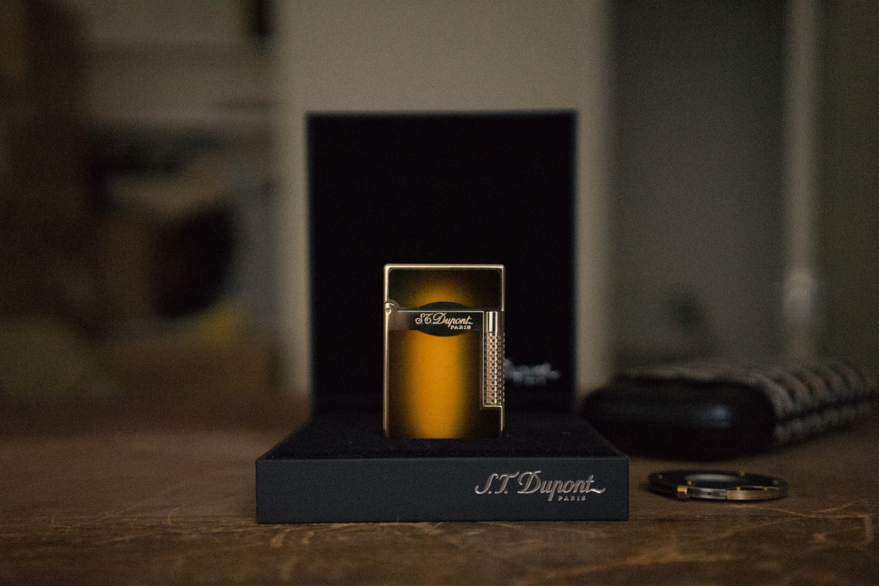 ST Dupont Le Grande Lighter in Brown Lacquer