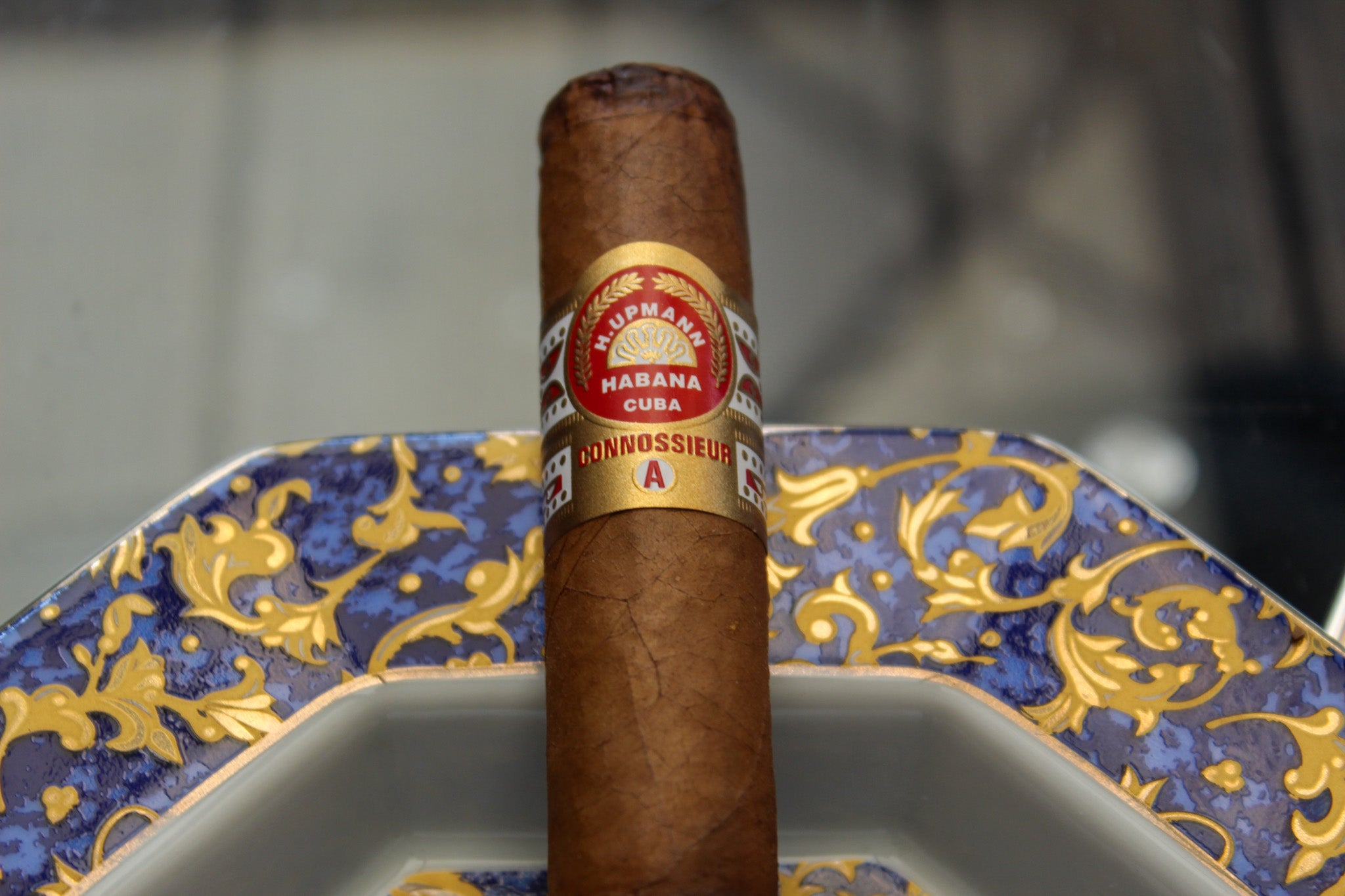 An initial spelling mistake on the cigar band of the Connossieur A has since been embraced by Habanos SA for the rest of the line