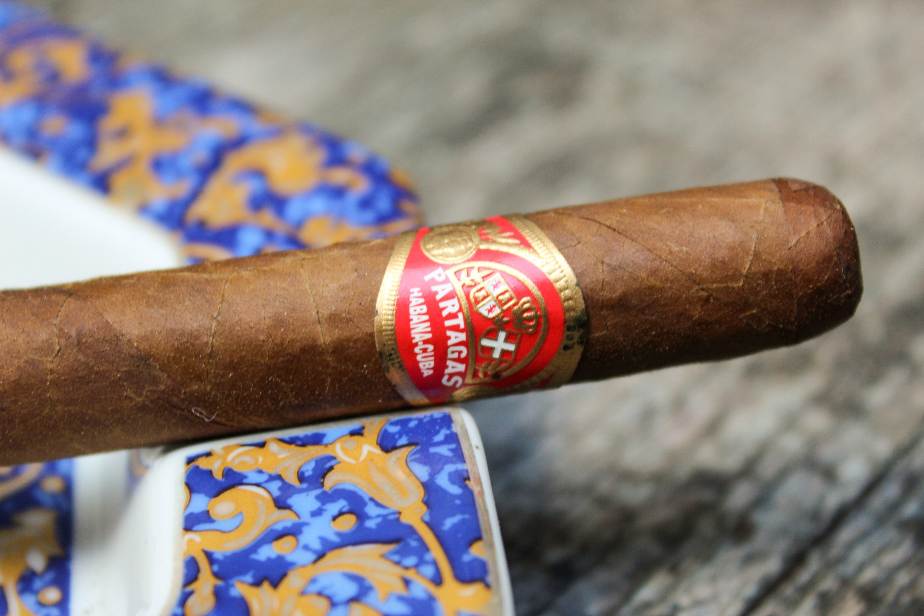 The classic Partagas band on the Partagas Shorts