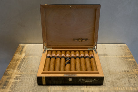 Montecristo No. 4 Cigar Reserva Cosecha 2002 for sale
