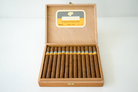 Vintage Cohiba Corona Especiales Cigar (CLE 0CT 01) - Box of 25 for sale
