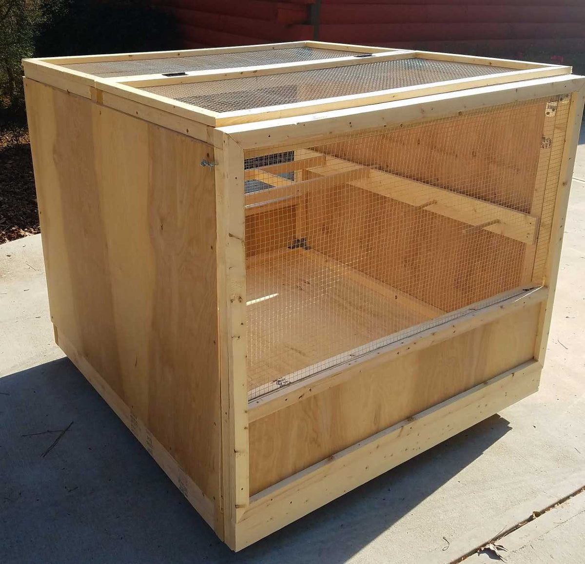 Poultry Playpen - A brooder box to raise chicks or house a sick / injured chicken
