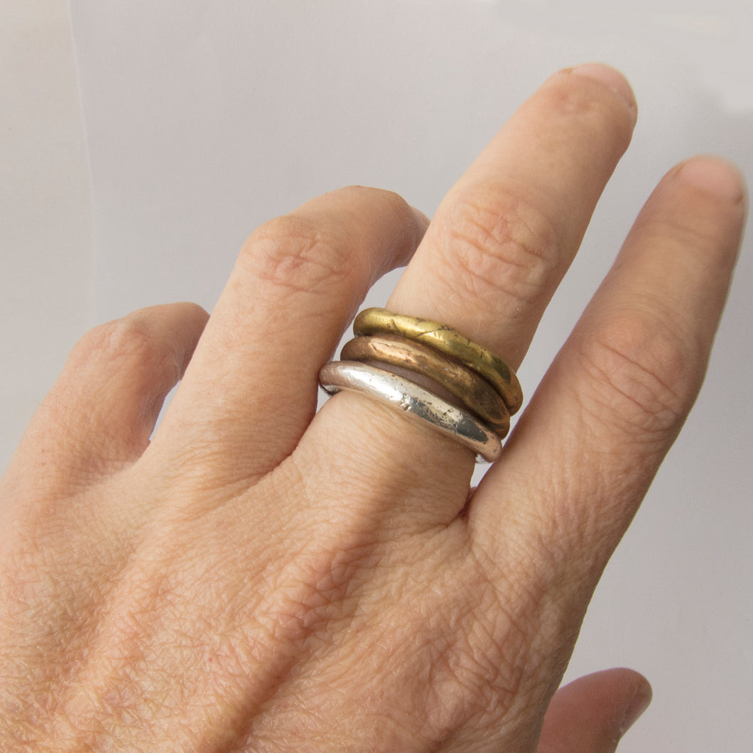 Organic ring in silver or bronze - 3mm