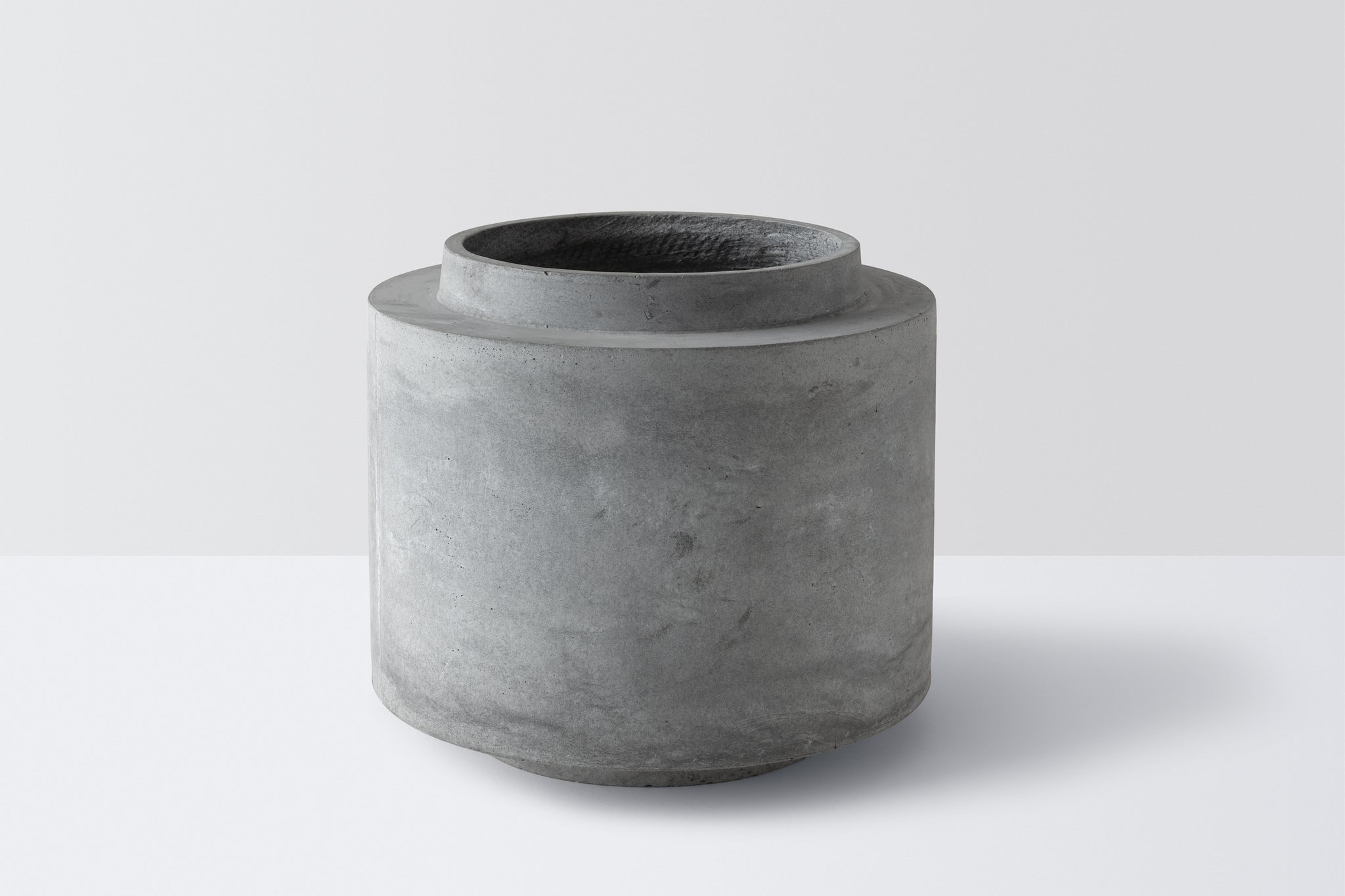 XL Pot with Stand - Concrete