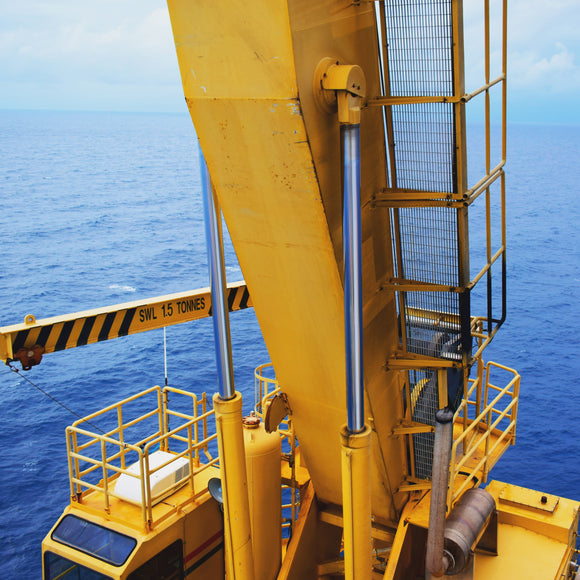 Operation, Maintenance and Safety of Hydraulic Box Boom Marine Cranes