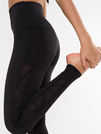 Releve Fashion Pama London Black Beverly Hills Legging Ethical Designers Sustainable Fashion Brand Activewear Athleticwear Athleisure Yoga Positive Fashion Purchase with Purpose Shop for Good