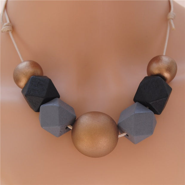 Natural Black Grey Round Polygon Wood Necklace - Statement Jewellry!