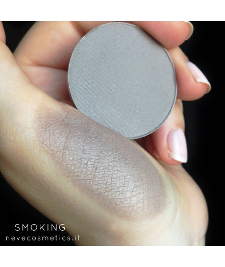 Neve Cosmetics Single Eyeshadow Pan - SMOKING