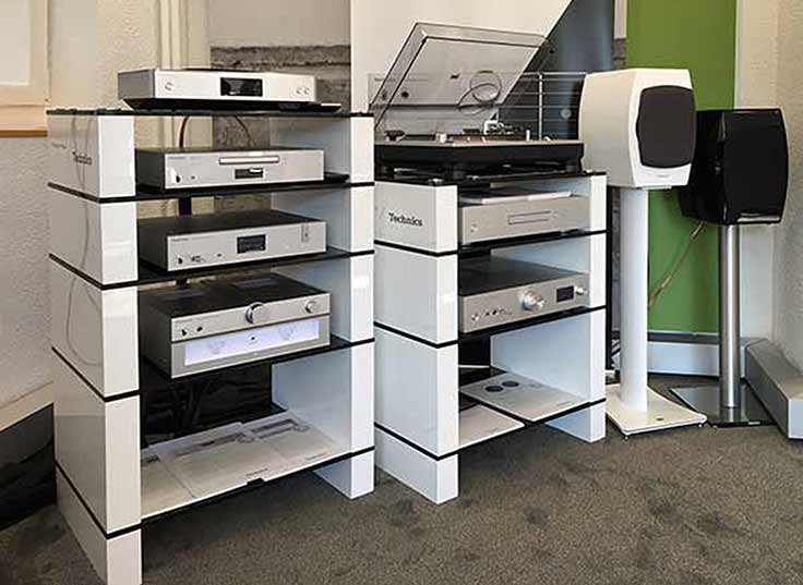 White Gloss BLOK HiFi Stands at the Technics 2017 Dealer Show