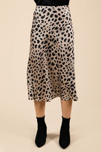 Load image into Gallery viewer, LEOPARD SATIN MIDI SKIRT