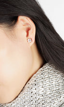 Load image into Gallery viewer, CLOVER EARRINGS