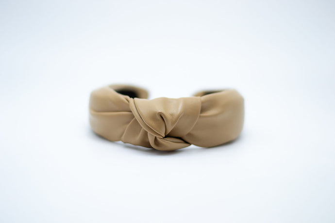 FAUX LEATHER KNOTTED HEADBAND / CAMEL