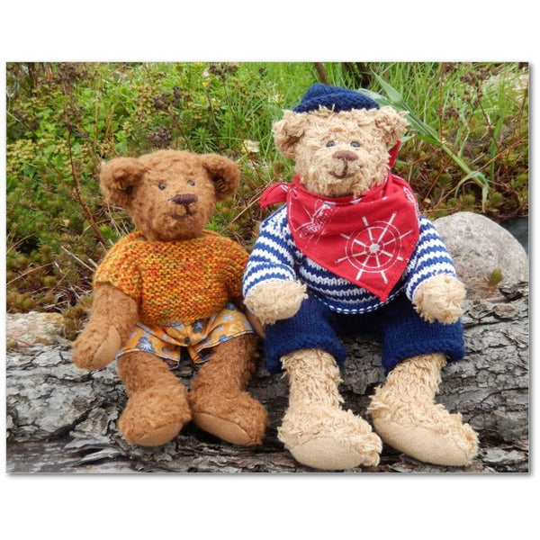 Two Sitting Bears - mhyplace