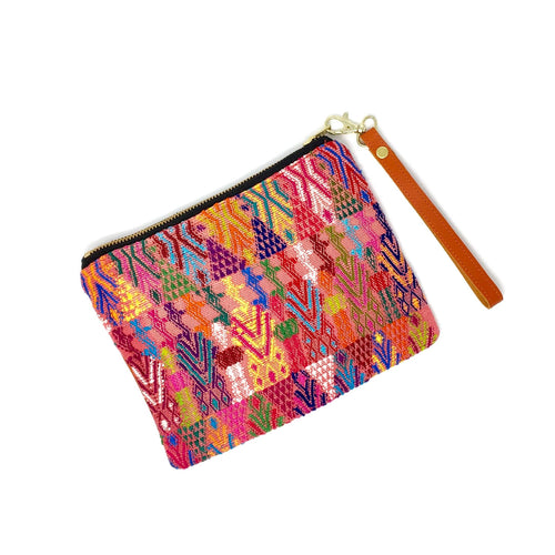 Beautiful Guatemalan bag, perfect pencil case, makeup bag or travel bag, made with upcycled mayan fabric, handwoven, fair trade, ethically made, boho style. Original gift ideas, fun and unique.