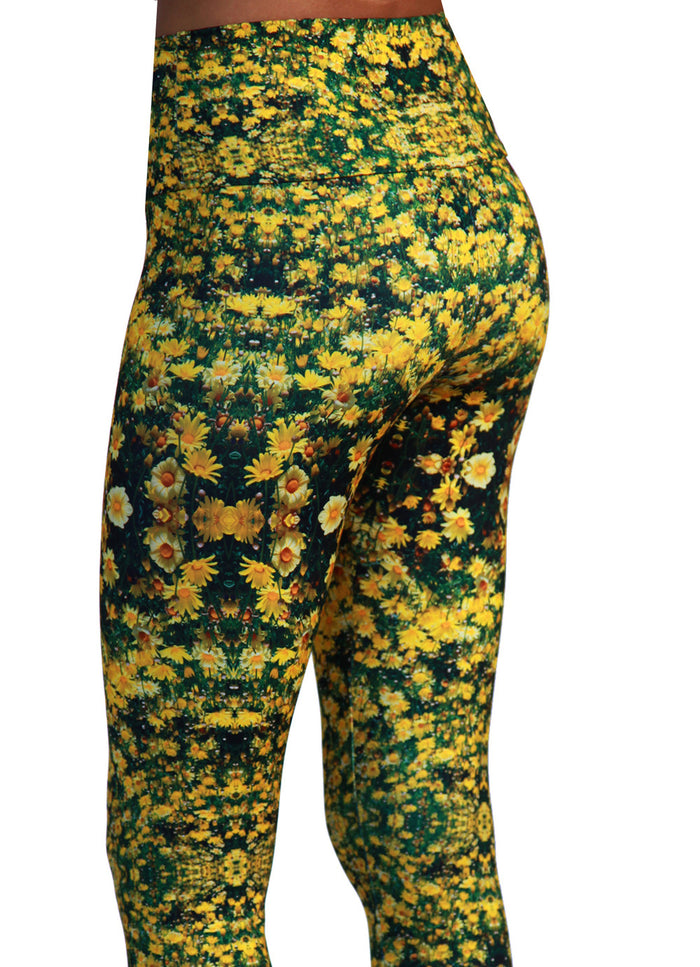 flower-power-sustainable-fashion-leggings