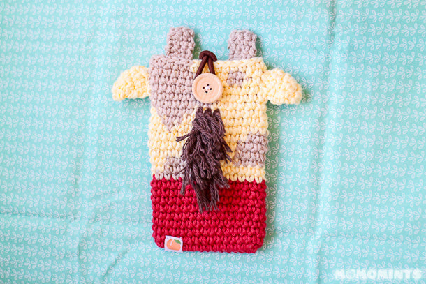 Momomints Custom Order Momo Pouch - Giraffe with Red Shirt Back View