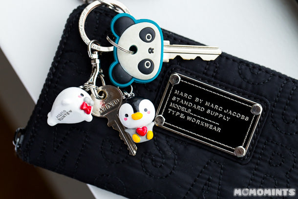 The perfect gift for any couple: Momomints Custom Keycharm Keychains
