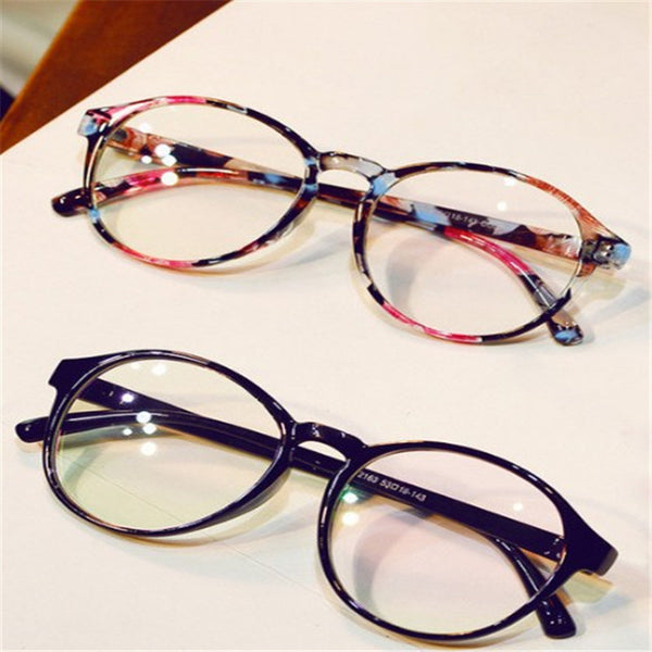 Round glasses. Clear frame for Women