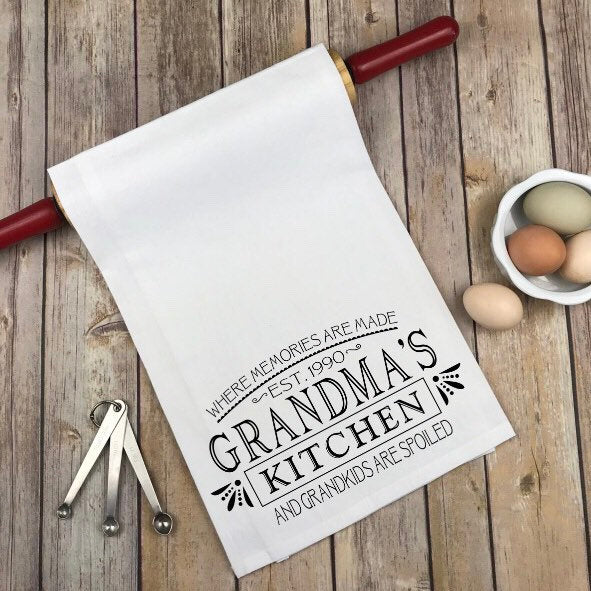 Grandma Nana Personalized kitchen towel, grandma gift, gift for Nana, mothers day gift, gift for grandma, new grandma gift, baby shower gift