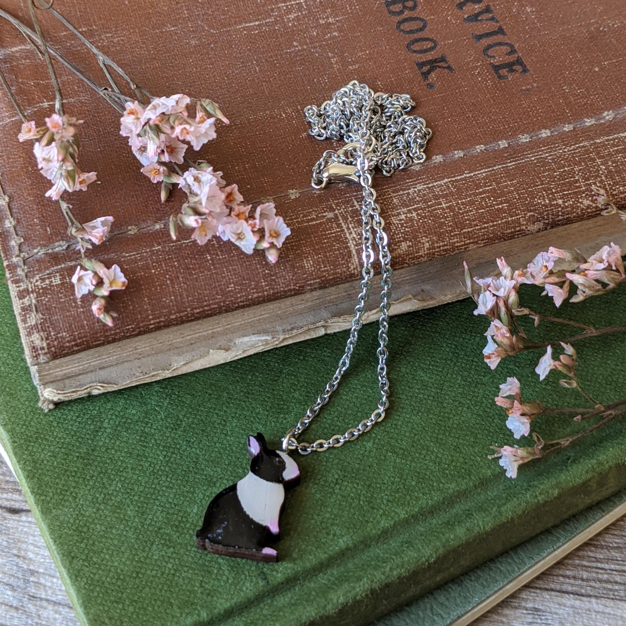 Rabbit Necklace - Dutch - Everything Bunny Rabbit