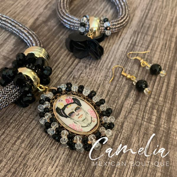 Frida Pendant Mexican Necklace Set SILVER